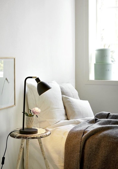 Czarna lampka biurkowa Nordlux Ray 63201003